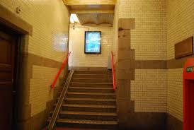 Op initiatief van Dick Verkijk is op 11 oktober 2004 een gedenkplaat geplaatst in de hal van het spoorwegstation Haarlem met de volgende tekst: 'Van hier werden op 6 december 1944 ongeveer 1.300 mannen die waren opgepakt bij de Stinterklaasrazzia in Haarlem e.o. naar Rees, Bienen en Praest gedeporteerd. Minstens 81 dan hen overleden daar door uitputting, zieke en mishandeling!'