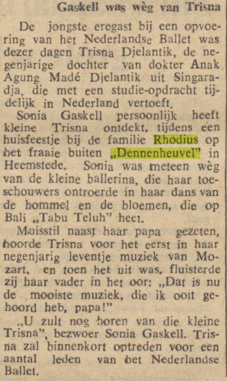 Sonja Gaskell bij tuinfeest op Dennenheuvel, Heemstede Uit: Java-bode, 12-1-1957