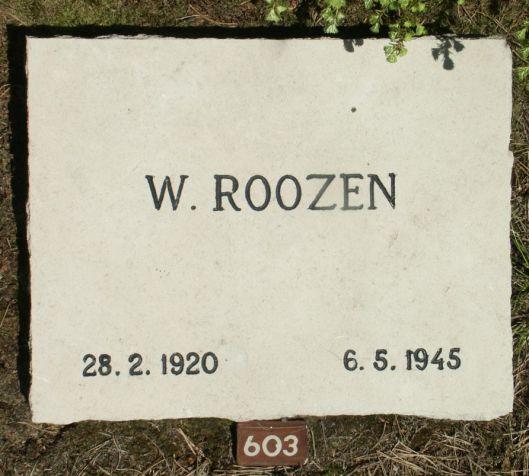 Graf van W.Roozen op de erebegraafplaats Loenen