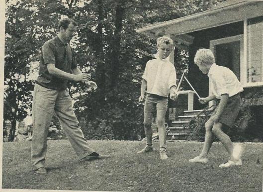 Komende vanuit Zandvoort vestigde de familie Hermans zich in de villa 'Bennet Home, een houten huis op de hoek van de Rijksstraatweg en Kleine Sparrenlaan.