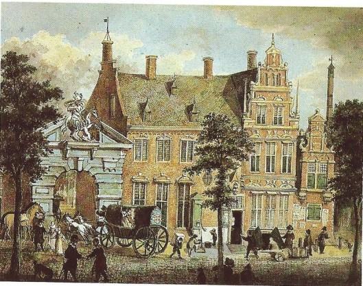 De postkoets uit Den haag rijdt in Haarlem de poort binnen van het Heerenlogement in de Grote Houtstraat. Tekening naar een gravure uit 1688. (N.H.A.).
