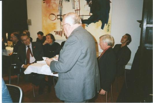 Flip Mayer als spreker in de Hartenlust, Bloemendaal (2000).