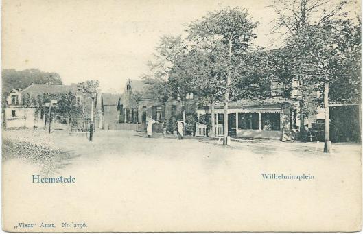 Het Wilhelminaplein met 'Het Wapen van Heemstede', circa 1920