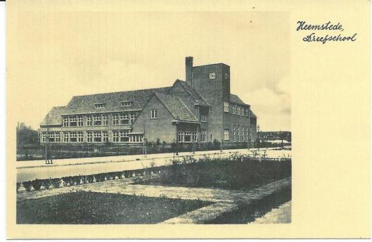 De Dreefschool na de bouw op een kaart uit 1931