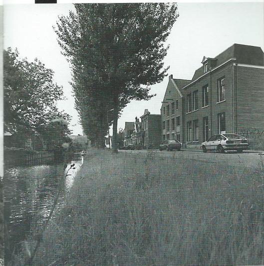 Blekerij/wasserij Peeperkorn bestond van 1827 tot 1974. Van de oude bedrijfsgebouwen aan de Blekersvaartweg bleef enkel de directeurswoning bewaard.