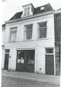 Kerklaan 43 Heemstede, oorspronkelijk in 1903 gebouwd als schilderswerkplaats voor A.van Rijn, later heeft zich hier garage Trias gevestigd