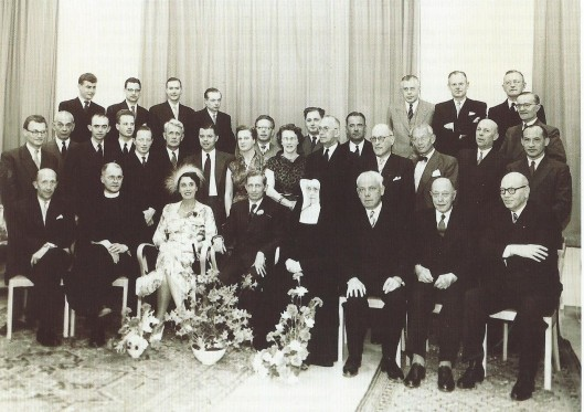 Dr. W.C.v.d.Laan, eerste chirurg, vierde op 2 juni 1955 dat hij 25 jaar werkzaam was bij de Mariastichting
