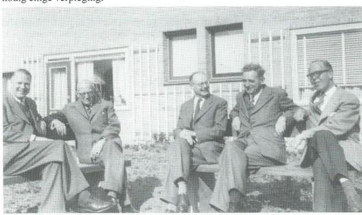 Foto uit 1956 van het bestuur van de Gallenkampstichting waaronder de Olijftak ressorteerde. V.l.n.r.: Ernst Lefebvre, Th.A.Wesstra, P.J.Zondervan, predikant C.P.Hoekema en G.W.Groeneveld.