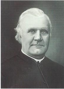 Pastoor P.J.Thünissen, pastoor van de Rozenkransparochie en oprichter van de Mariastichting