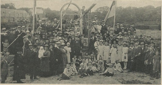 Uit familieblad De Prins van 1920 bij de bouw van een Gereformeerde Kerk aan de Koediefslaan Heemstede