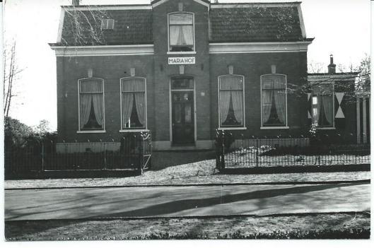 Mariahof, bewoond door de familie Kramer, Kerklaan 135 omstreeks 1935