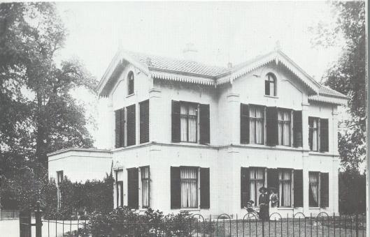 Villa 't Clooster aan de Binnenweg in 1908 toen hier de familie Quarles van Ufford woonde
