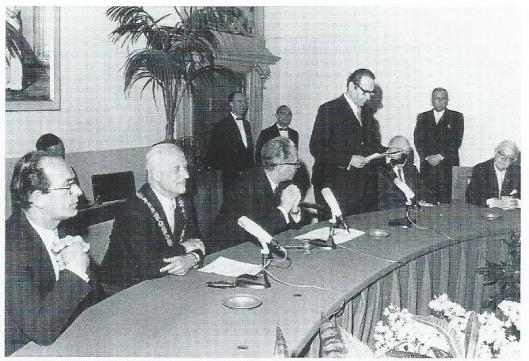 Afscheid van burgemeester Cremers van de gemeenteraad op 27 mei 1964
