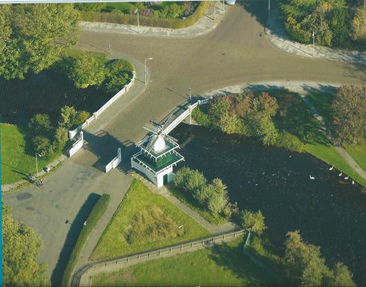 Het molentje van Groenendaal vanuit de lucht gezien