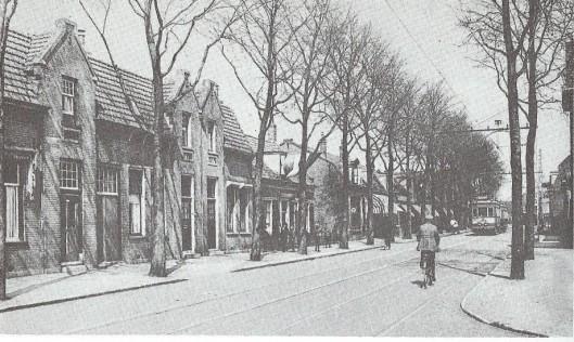 Een deel van de Binnenweg nabij de Spaarnzichtlaan in Heemstede dat de laatste halve eeuw sterk is gewijzigd