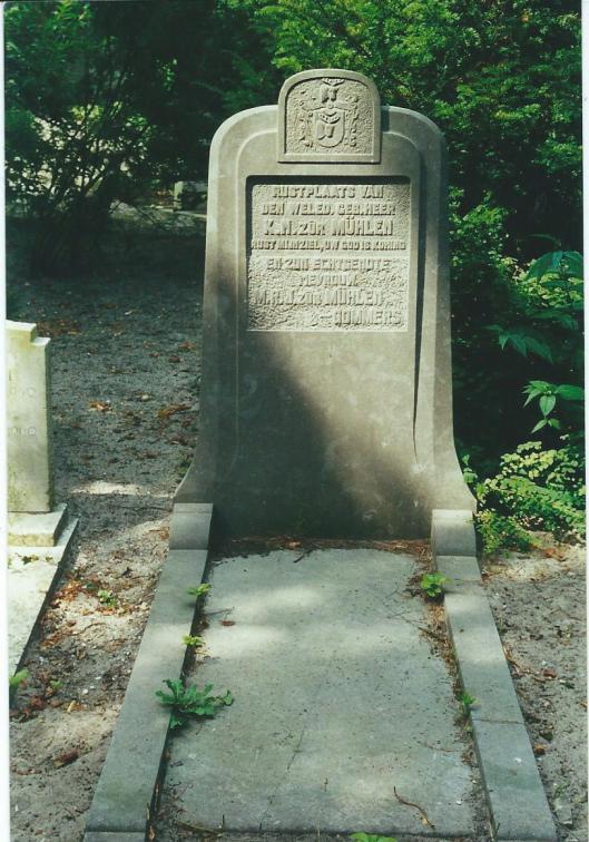Graf Karel N.zur Mühlen, begraven 9-4-1931 + echtgenote