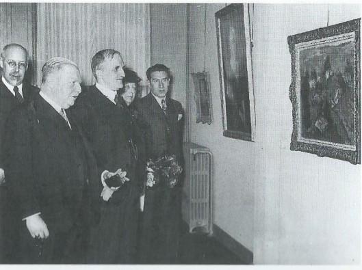 Bij de opening van een tentoonstelling bij kunsthandel Leffelaar met v.l.n.r. G.Gratema (directeur van het Frans Hals Museum), commissaris van de Koningin in N.H. mr.dr.A Baron Roëll, burgemeester jhr.dr.J.E.Baron de Vos van Steenwijk en helemaal rechts Pieter Leffelaar.