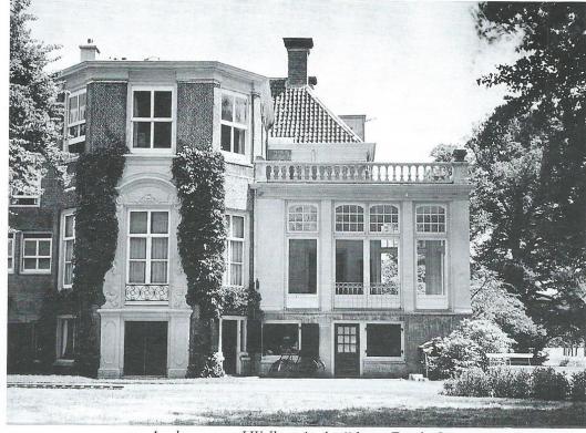 Johannes (V) Enschede liet op het terras een tuinkamer bijbouwen onder architectuur van Johannes Wolbers. Tevens liet hij door architect Wolbers en aannemer W.A.van Amstel in 1908 op het landgoed een tuinmanswoning bouwen.