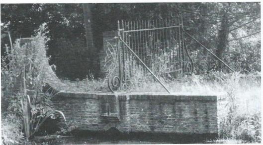 Brug met duiker en hek uit de tijd van Druyvestein, circa 1730.