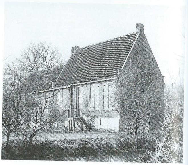 Het jachthuis De Koekkoek (Achterkoekkoek) nabij het Koekoeksduin tussen Aerdenhout en Vogelenzang op een foto uit 1939. De zolder van het jachthuis werd vanaf 1648 als schuilkerk gebruikt voor samenkomsten van katholieken