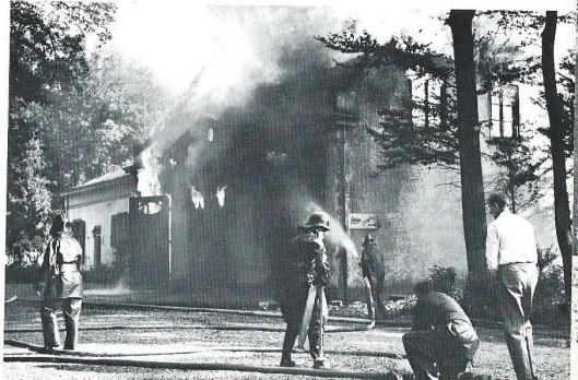 Op 2 september 1968 ging bij een felle uitslaande brand het koetshuis van de Hartekamp verloren.
