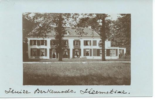 Vooroorlogse foto van huize Berkenrode