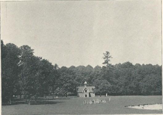 Het hertenhuis op de overplaats van de Hartekamp, ten oosten van de Herenweg. (Uit: J.Craandijk, het landgoed de Hartekamp, 1901)