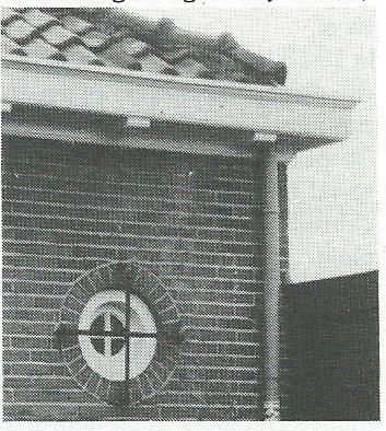 Achter dit raampje met tralie bevond zich de politie-cel, Glipperweg 83, Heemstede