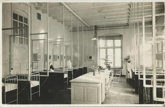 Kinderafdeling - zuigelingenzaal in ziekenhuis de Mariastichting Haarlem