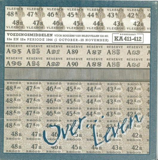 Vootzijde 'Over...leven, expostie over Heemstedenaren onder Duitse en Japanse overheersing', uitgegeven in 1995 n.a.v. een tentoonstelli ng in het raadhuis