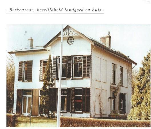 Voorgevel van Klein Berkenrode aan de Herenweg op een foto uit omstreeks 1970.