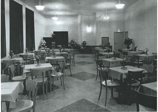 Foyer, tevens kleine zaal van Minervatheater Heemstede aan de Binnenweg.