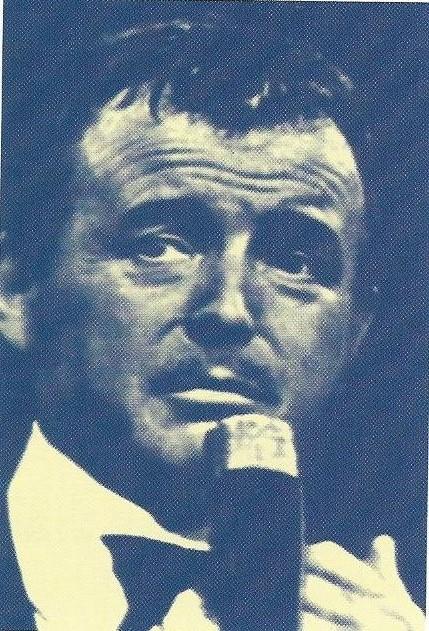 Voor Toon Hermans, o.a. in Bennebroek en Zandvoort woonachtig, was het Minerva theater een tweede huis, waar hij veelvuldig repeteerde voor zijn nieuwe one-man-shows, o.a. samen met zijn uit Engeland afkomstige assistente Phyllis Lane.