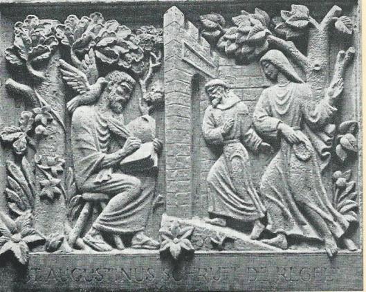 Reliëf van de kunstenaar Gradus van Eden met links een schrijvende bisschop en kerkgeleerde Augustinus, aangebracht in de hal van Augustinessenklooster Mariënheuvel, Heemstede