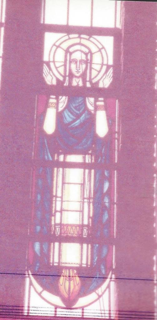Glas-in-lood raam van Maria door Frans Balendong in de O.L.V.Hemelvaartkerk Heemstede