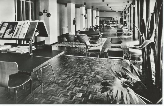 Vm. interieur Clio verpleegstershuis met lounge en leesruimte. Haarlem