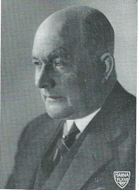 Portret van John Waterloo Wilson, industrieel, op 1 september 1879 geboren in Bennebroek; woonde lange tijd in huize 'de Beek' te Bloemendaal.