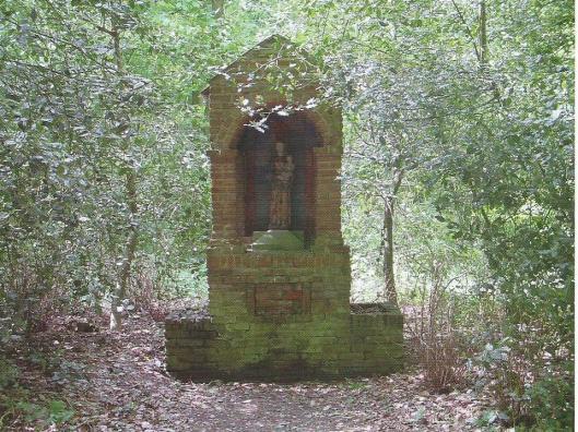 Mariakapelletje op terrein Hageveld (fotoFrits Hazenberg, zomer 2001)