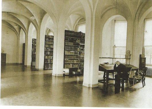 Studie in de bibliotheek Hageveld Heemstede, circa 1930