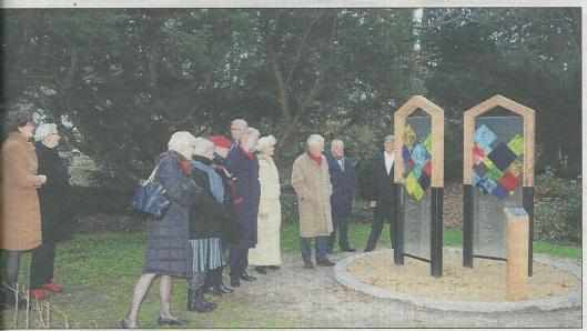 Het monument op de begraafplaats in Heemstede (de Heemsteder, 3-12-2014)