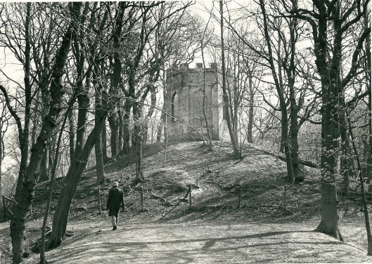De Belvedère van Leiduin, een zeshoekig gebouwtje, is eind 18e eeuw gebouwd op een kunstmatige heuvel