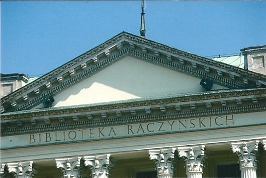 Deel voorgevel van de Raczynski bibliotheek in Poznan