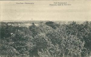 Kaart uit 1930 met een gezicht vanaf de Belvédère met in de verte de watertoren