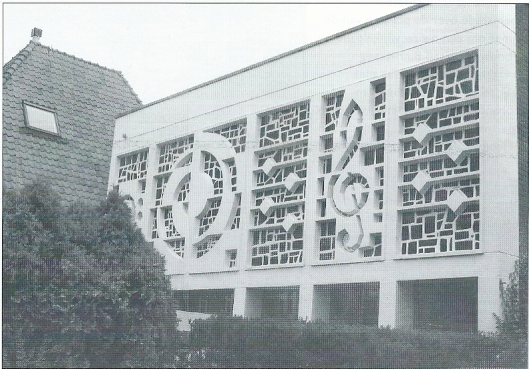 Voorgevel vm. Bovema-studio, Overboslaan 6, tegenwoordig gemeentelijk monument (foto Zwikker entertainment group)