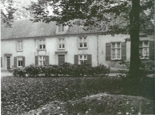 Land- en Spaarnzicht aan de Binnenweg on Heemstede omstreeks 1900. Gesloopt om in 1908 plaats te maken voor een villa gebouwd in opdracht van mw. P.van den Berg-Preijde
