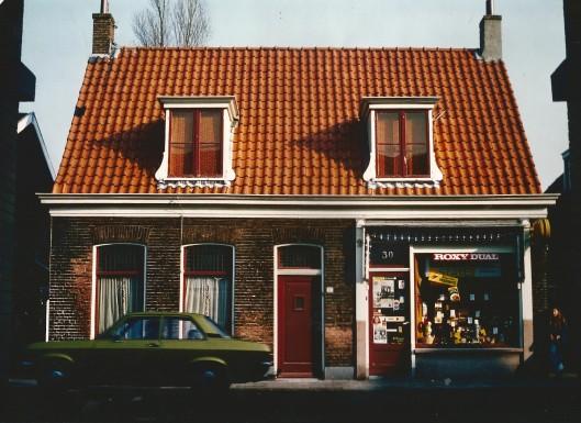 Raadhuisstraat 30, sigarenmagazijn L.Breukels. Foto uit 1958