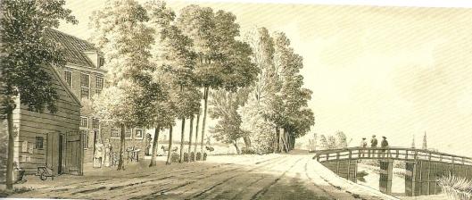 Leidsevaart met houten brug en links de herberg 'Het Schoutje' in 1782. Tekening avn H.P.Schouten uit 1780 (Noord-Hollands Archief)