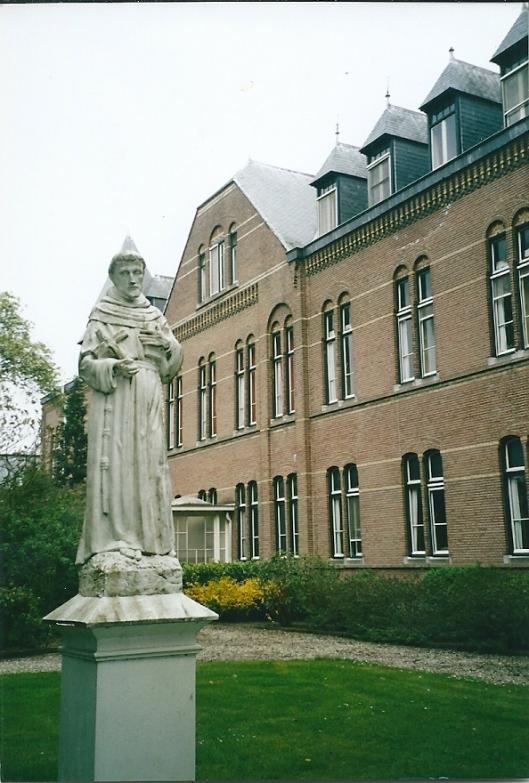 Beeld van de Heilige Franciscus, patroon van de zusters Franciscanessen van Rotterdam/Bennebroek