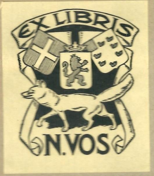 Exlibris van N.Vos. De heer Nicolaas Vos was gemeentesecretaris van Heemstede van 1928 tot 1953. Verwerkt zijn een familiewapen, het wapen van Heemstede en de Nederlandse Leeuw.