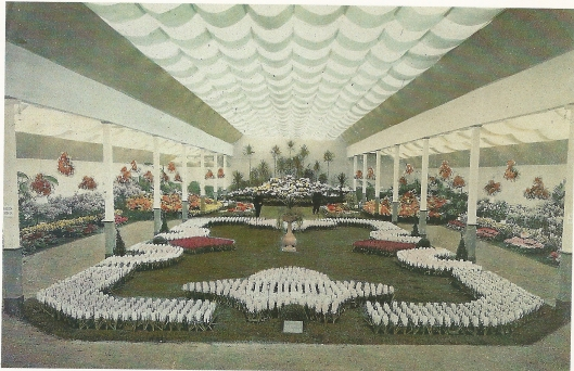Interieur van de nationale Bloemententoonstelling in 1910 te Haarlem (foto NHA)